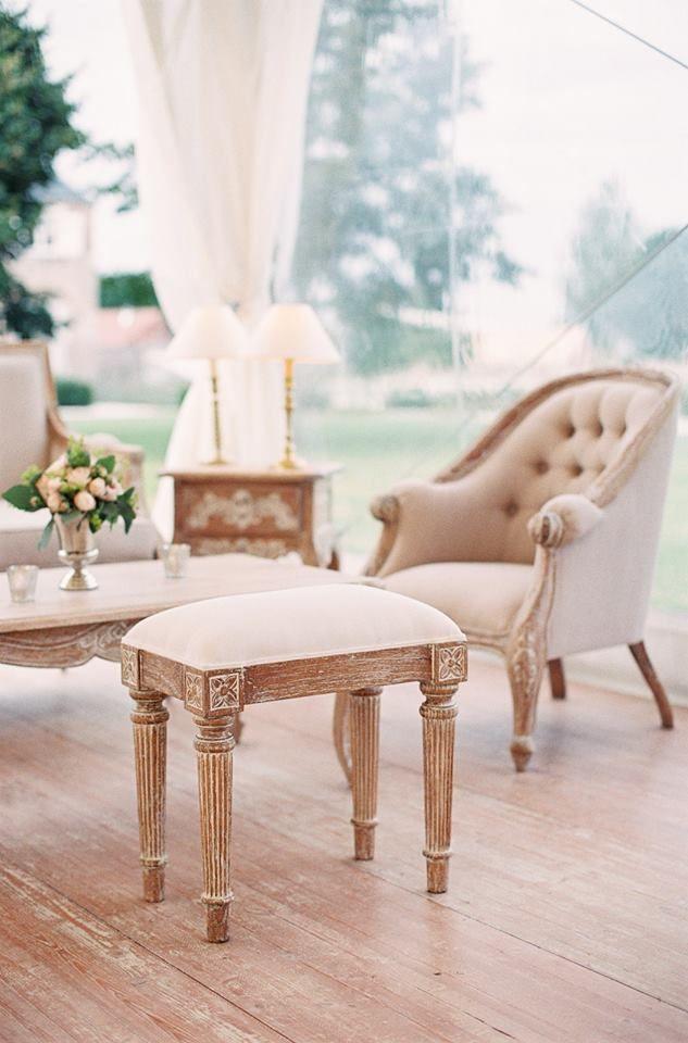 Vente et location de meubles baroques de charme. Show Room sur Pantin, proche Paris.