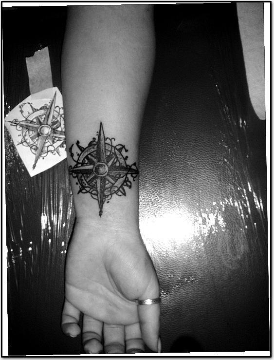 compass by kama-tattoo.deviantart.com