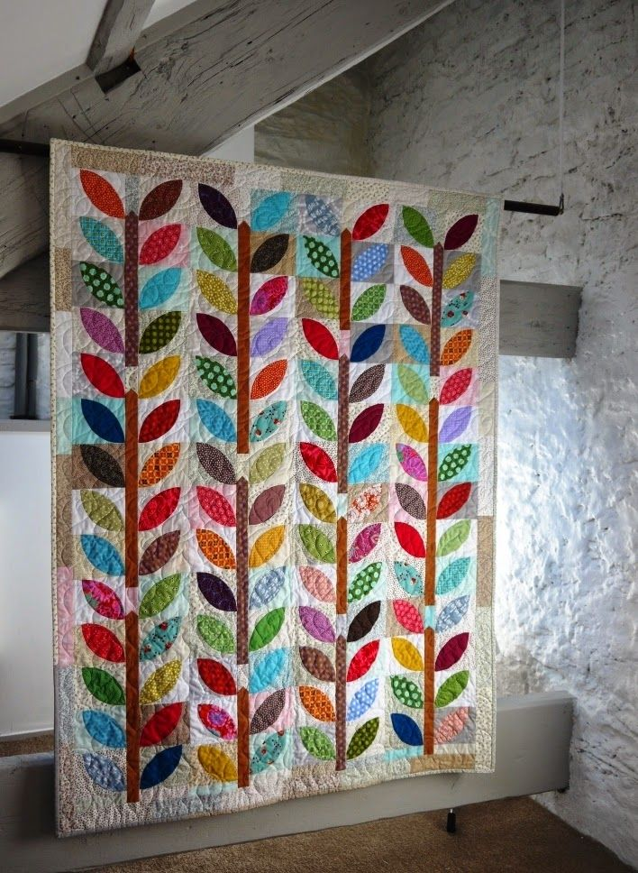 FrosterleyBazaar: Summer Leaf on the cover! This is the quilt that is on the cover of Quilty