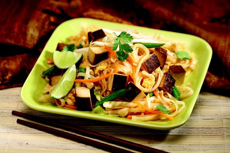 Veggie Pad Thai - Looks amazing! Guilt free recipe | I heart HEALTH ...