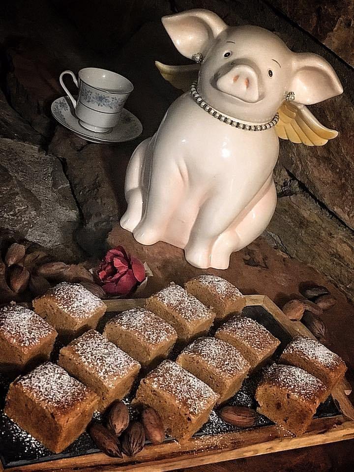 Brownies Rubios Probando sabores y colores. Compartiendo hoy mis Brownies, me topé con muchos glutten free, necesidad o moda… Será para la siguiente vez, hoy comeremos harina blanca con glute…