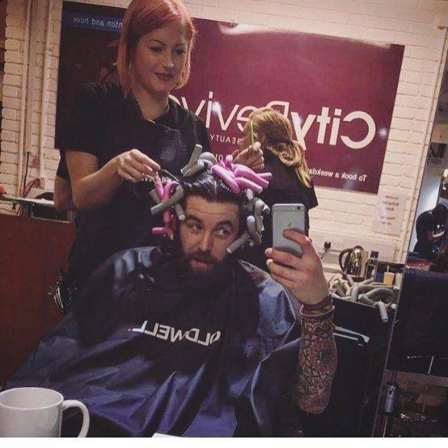 #manperm #rollers# #mise_en_pli #permsformen #menwithperms #perms #permanente #bigoudis #hair #cheveuxhomme #barbe #beard #coiffeur #hommecheveuxlong #hommebarbu #pogonophile #fetishhair #hairfetishism #afro #menwithafros #hairspray #elnett #rollersetformen #hairset #gayfrance #gayhair