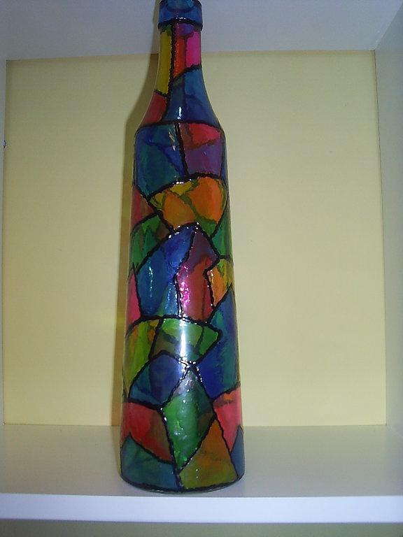 17 best images about botellas garrafas tarros on pinterest do it yourself decorative wine - Botellas decoradas manualidades ...