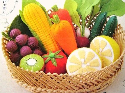 Frutas e vegetais de feltro