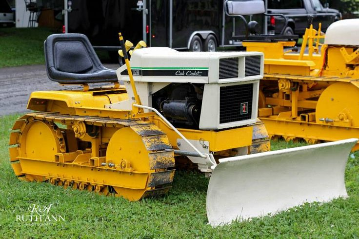 Cub Cadet 100 Crawler : Best small dozers images on pinterest