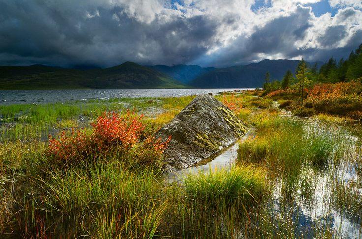 Озеро Джека Лондона в Магаданской области - Lake of Jack London in Magadan Oblast, Russia...majestic.