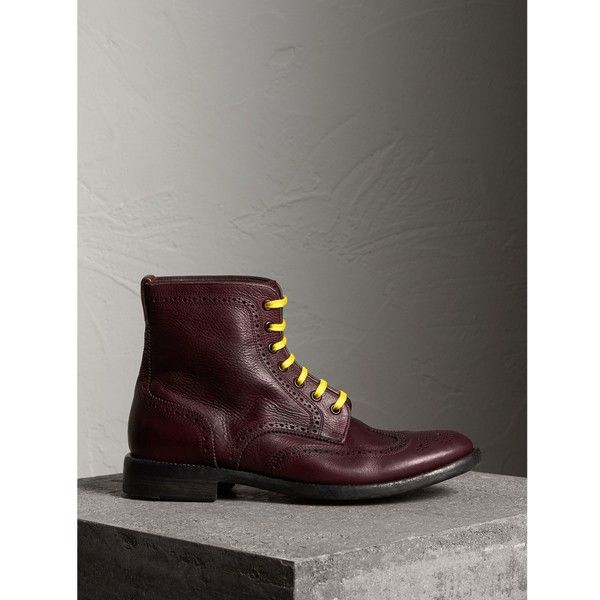 Burberry Leather Brogue Boots with Bright Laces (42.585 RUB) ❤ liked on Polyvore featuring men's fashion, men's shoes, men's boots, mens leather sole boots, burberry mens shoes, leather sole mens shoes, mens leather brogue boots and mens leather lace up boots