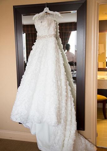 Dennis Basso 1112 Kleinfeld Style 6255GGGR Organza A-line Flower Wedding Dress   Nearly Newlywed #dennisbasso #kleinfeld #aline #organza #floral