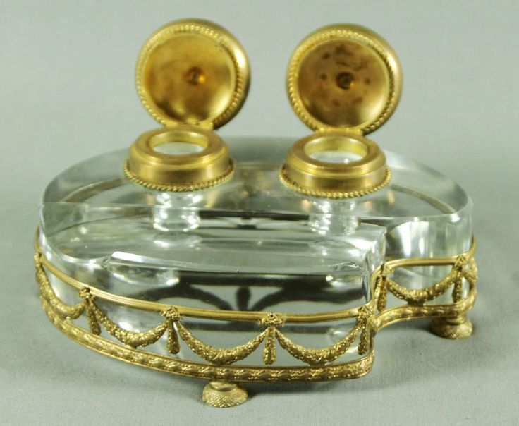 Lot: ANTIQUE FRENCH CRYSTAL AND BRASS INKWELL, Lot Number: 0030F, Starting Bid: $250, Auctioneer: World of Antiques, Inc., Auction: MAY BLOWOUT ANTIQUES AUCTION, Date: May 25th, 2017 CEST