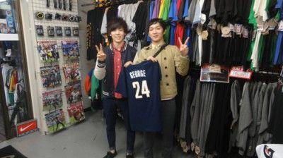 【新宿2号店】 2014年5月8日 ジョージのTシャツを購入して頂きました。僕と同じくらいのNBA観戦歴です!これからも見続けていきましょう★ヾ(*≧∀≦*)ノ #nba