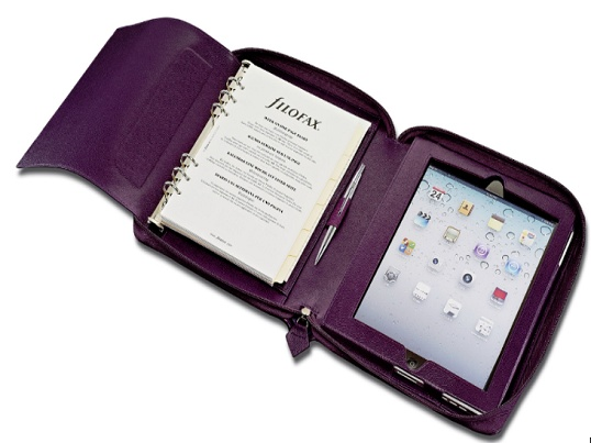 Effortlessly chic and with a full wraparound zip closure, perfect for those on-the-go, this Filofax Pennybridge A5 case in Purple has two compartments one holding an organiser, the other designed to hold an iPad.
