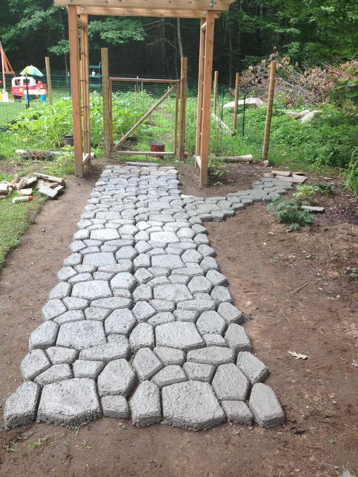 Quickcrete walkway gardens pinterest walkways for Walk maker ideas
