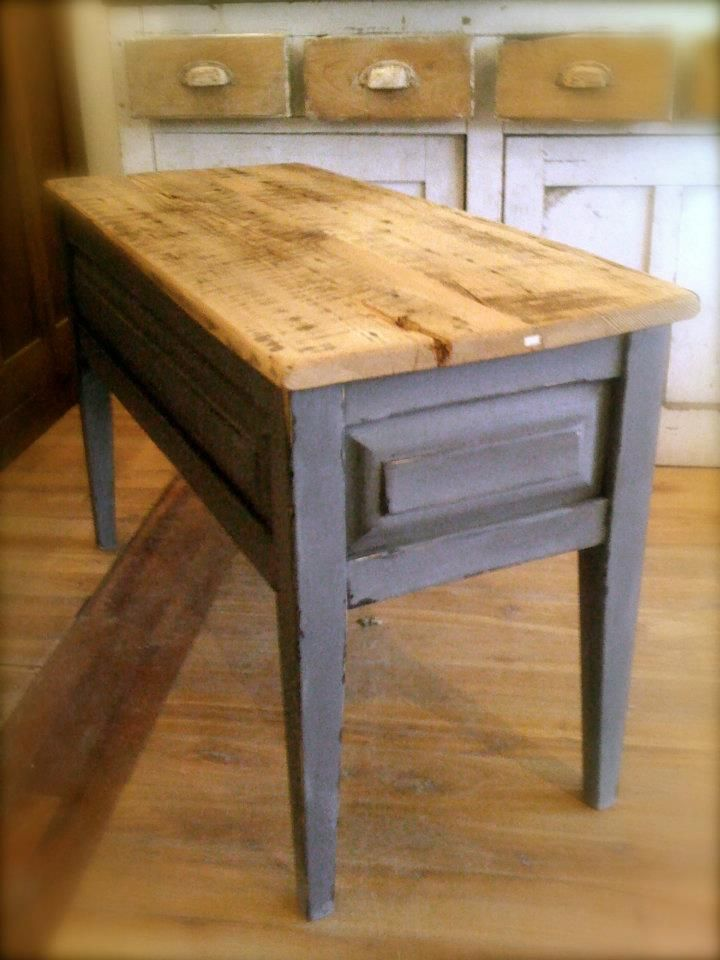 Reproduction table basse plateau bois de grange for Pietement de table en bois