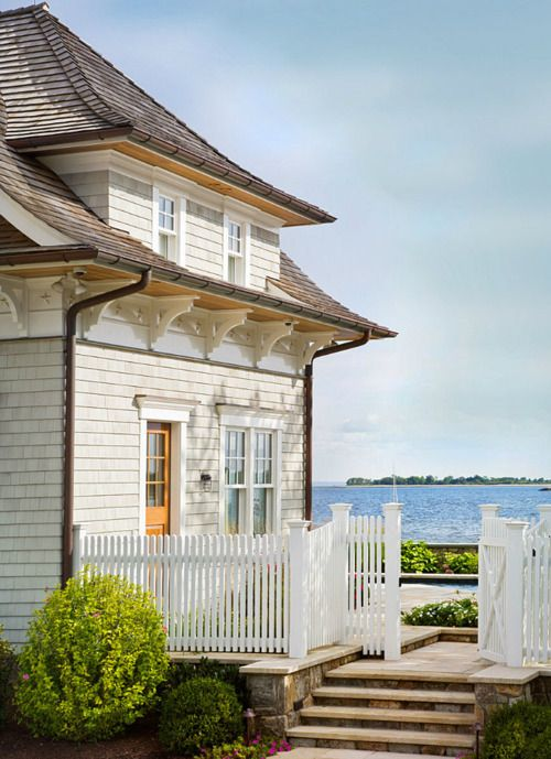 Love. Love. Love.: Idea, Beaches House, Beach Houses, Dreams House,  Pale, Places, Beachhous, White Picket Fence, Beaches Cottages