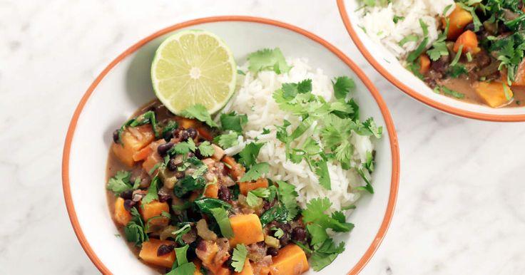 Lättlagad gryta med sötpotatis, habanero, kokosmjölk och svarta bönor. God även i matlådan!
