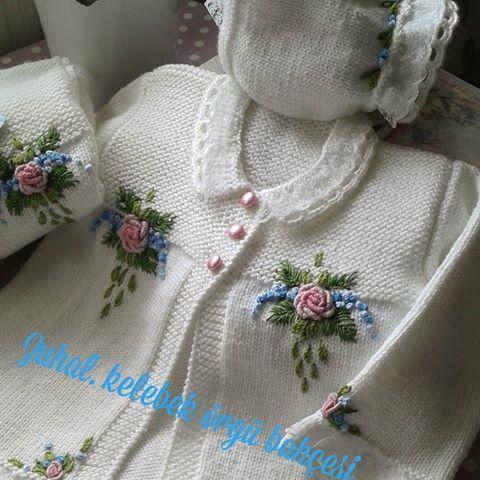 Hayırlı haftalar Sibel hanımın 2.takımı sizlerle Geri dönüşü güzel oldu eline ulaşmış çok begenilmiş teşekkür ederim. @sibelkpt #orguaski #elisi #nakopırlanta #nakobebek#nakoileoruyorum #bebekyelekleri #babyblanket #blanket #crochet #crochetaddict #kinittinglove #kidstagram #followme #follow #kinitting#handmade #hamileanneler #yenidoganbebek #pohoto @hobim_istanbul @deryabaykal @deryabaykallagulumse @orgu_sunumlariniz @orgugunlugumuz @sibel59