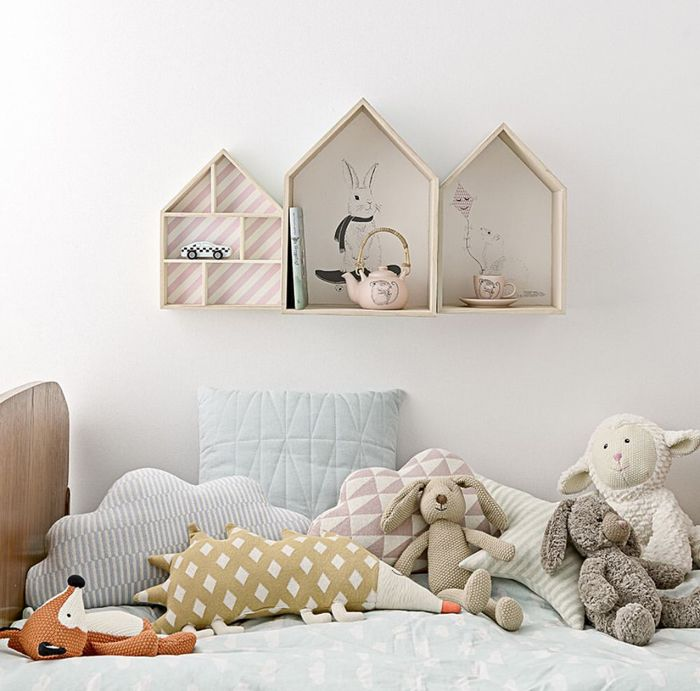 Cute decorations and shelves for a kids room