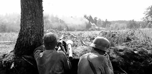 Finnish soldiers in their foxhole during the Battle of Tali-Ihantala. Summer 1944, Continuation War
