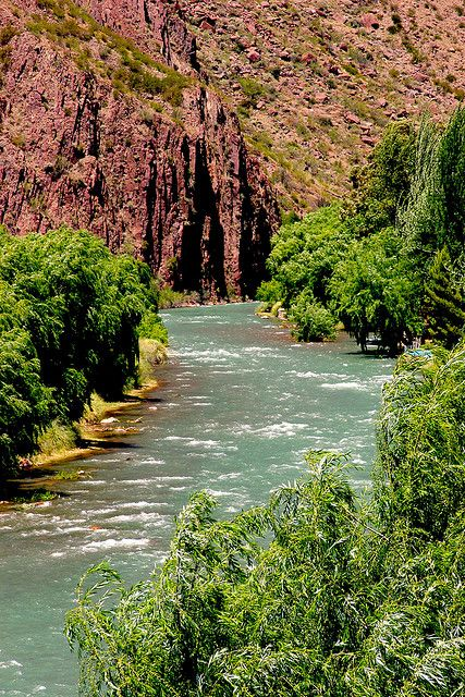 Río Atuel Mendoza, Argentina