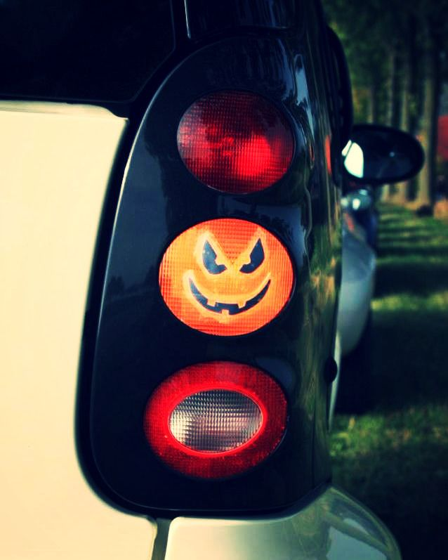 #smart #smartfortwo #smart450 #smile #evil #cool #april #smarttimes #spring #april #sun #smartcar #orange #light