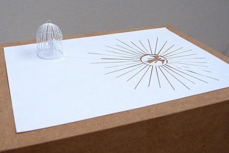 Бумага всё стерпит. И это отлично. Пусть обязательно потерпит. Тем более, когда она является основным материалом для невероятных, очень красивых штук. Для того чтобы они получились, понадобятся только лист бумаги и канцелярский нож. Как это возможно? Секретом может поделиться Питер Каллесен.