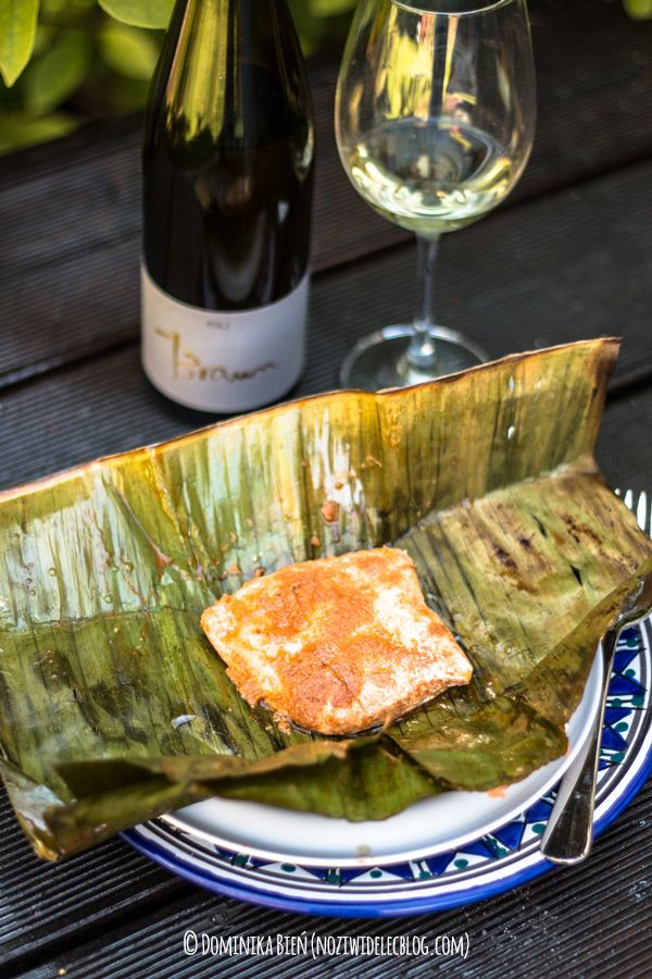 Salmon grilled in banana leaves