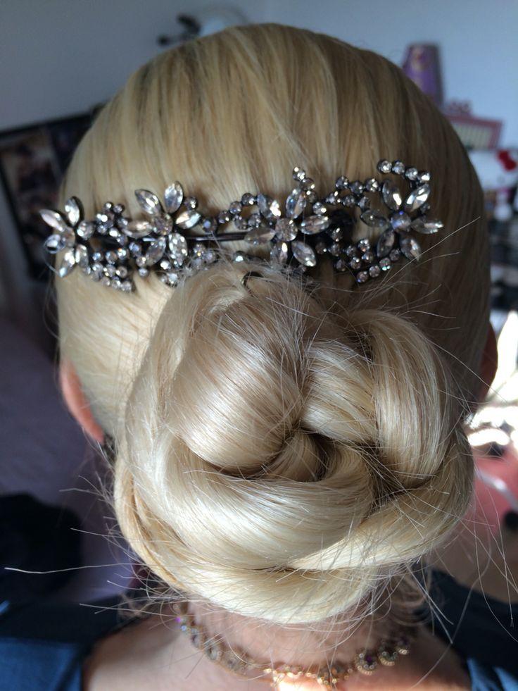 Chignon,noël ,barrette,blonde,glamour,chic,coiffure...valerieB | Jolie coiffure, Coiffure