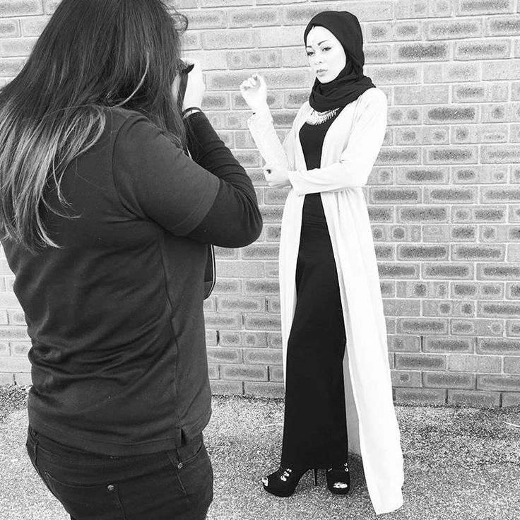 #kazecaBTS | Today's story. Shooting the new wardrobe staple: shimmer chiffon cardigan! More to come.... stay tuned   #perth #perthfashion #perthfashiondesigner #australia #fashiondesign #fashiondesigner #modestfashion #muslimah #hijabi #model #styleblogger #fashionblogger #streetstyle #teaparty #photography #beauty #photographer #photoshoot #fashionphotoshoot #hijabfashion #stylist #fashionboutique #muslimfashion