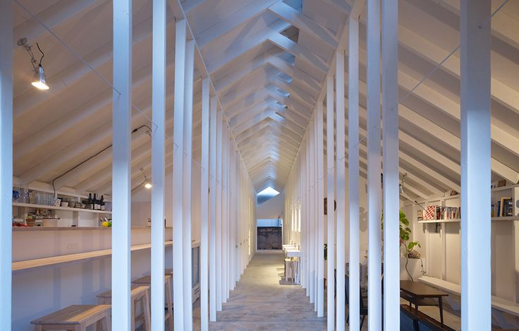 Sovloft av Alphaville, foto Toshiyuki Yan – http://www.tidningentra.se/notiser/tunna-pelare-ramar-in-sma-sovloft #arkitektur i #trä