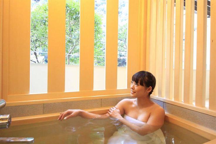 Hakone Pax Yoshino, Hakone, Japanese Western Style Room with partially open-aired bath, Bathroom
