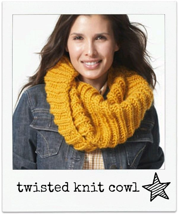 Twisted #knit cowl :)