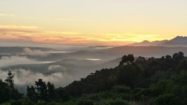 Südafrika Immobilie in Wilderness11 ha Land Panoramablick zum See und Meer für Wohnen Farm oder B & B zu verkaufen. http://ift.tt/2Iewpy4