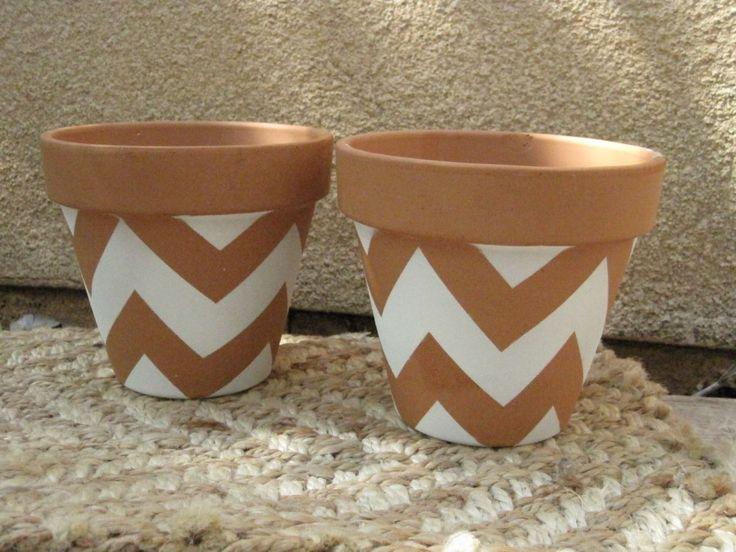DIY facile: comment personnaliser des pots en terre cuite