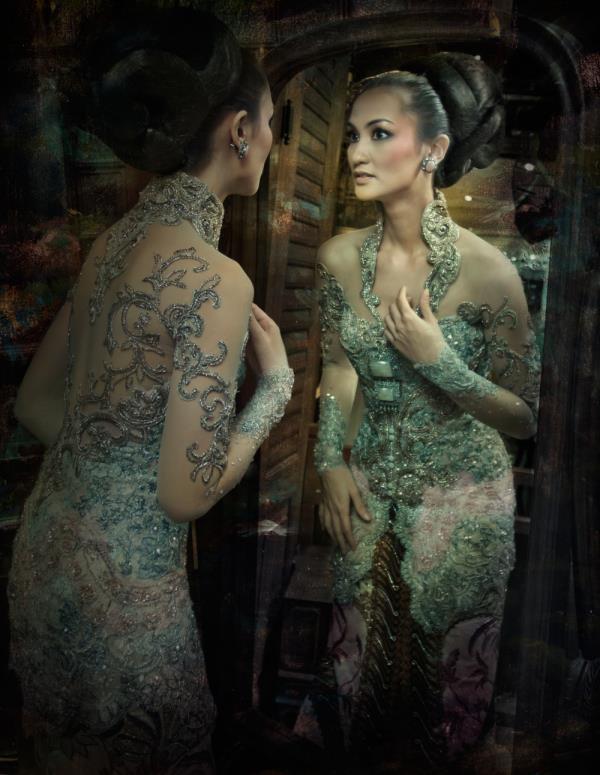 Kebaya.. Indonesian dress..