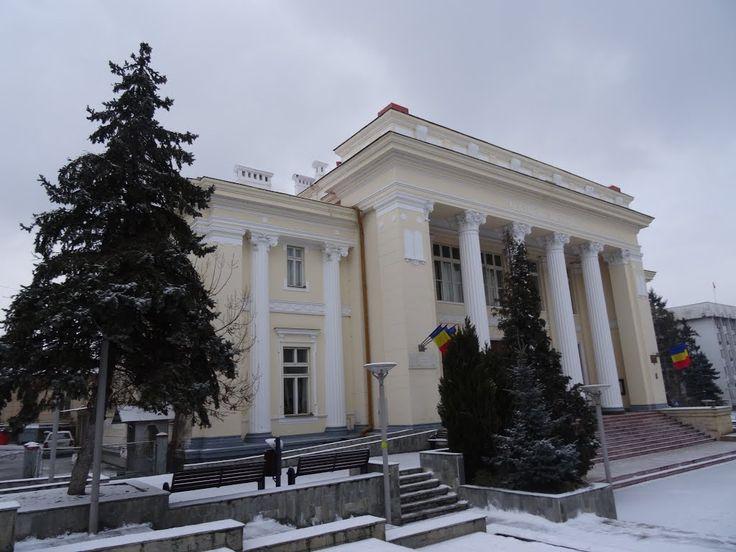 Palatul de Justiţie din Râmnicu Vâlcea