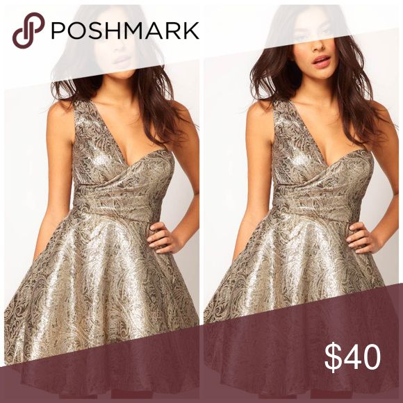 (SALE) One Shoulder Dress in Metallic Jacquard✨💫 Make a statement... Perfect for weddings, dinner, and special occasions... (New without Tags) ASOS Petite Dresses Midi