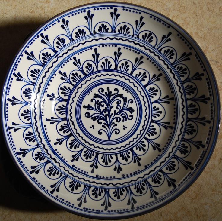 30 cm diameter ceramic bowl with Szasz design.Lovely blue and white!