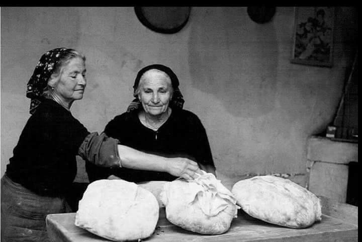 Il #pane è dignità, saggezza e #cultura.