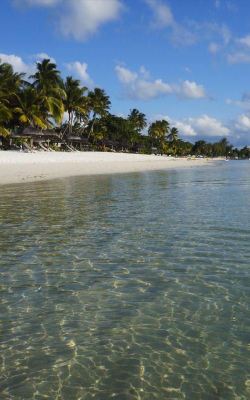 Las increíbles playas de Grand Baie, al norte de Isla Mauricio, un auténtico paraíso en la tierra! + consejos de viaje en www.espressofiorentino.com  #playa #paradise #mauritius #beach