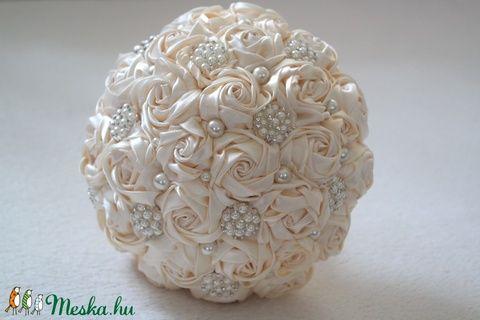 Emma bross rózsás menyasszonyi csokor (ekrü) (Aggies) - Meska.hu