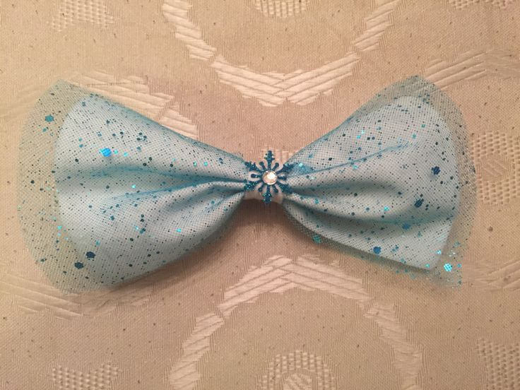 Queen #Elsa #Bow #disneyinspired #ShaLuca