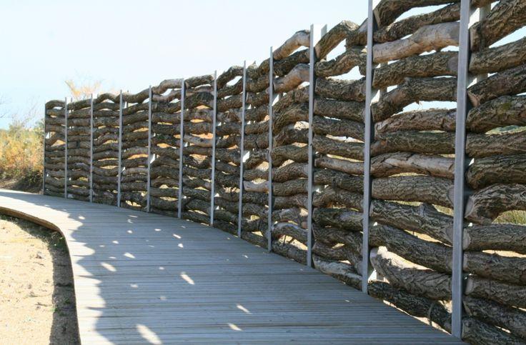 Fence Parc ecologique de La Barre, Anglet (Mutabilis - agence de paysage) #fence #schutting #naturalmaterials #park #landscapearchitecture
