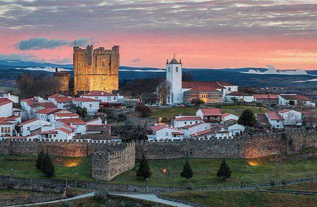 Os 10 mais bonitos castelos de Portugal - Castelo de Bragança