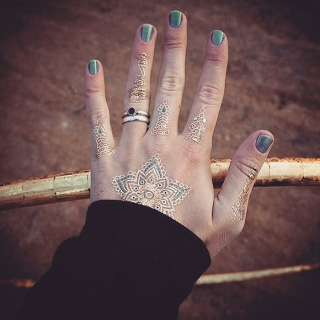 Just perfect ❤️ #mymantragold #goldtattoo #fingertattoo #faketattoo #turquoise #fingers #energy #style #trend #happiness #lucky #love #musthave