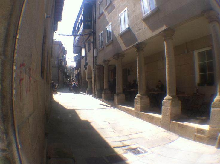 Una de sus calles con soportales