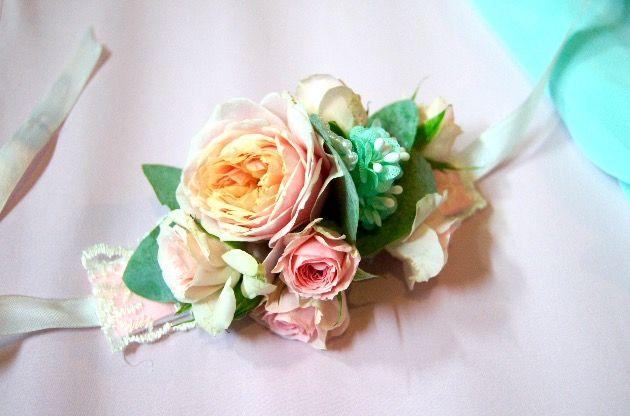 Заказать браслет для подружки невесты. Пионовидная Роза. Браслет из цветов  Букет невесты  Заказать в Москве  Флористика