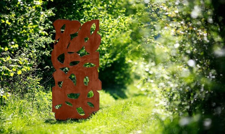 En exposition dans le jardin de Cazaudehore : Sculptures acier de Ferrare, ferronnerie d'art