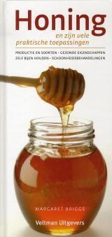 Honing - Michael Briggs - ISBN 9789059208018 - € 9,45   Honing - En Zijn Vele Praktische Toepassingen  De honingbij bestaat al langer dan de mens. Dat weten we dankzij 150 miljoen jaar oude fossiele vondsten. Sinds mensenheugenis gebruikt de mens dit natuurproduct om zich te voeden, genezen, reinigen en beschermen. Het is alom bekend dat de prehistorische mens de zon vereerde als de goddelijke schenker en voeder van het leven.    Lees meer... http://www.bol.com/nl/p/honing/1001004005950380/