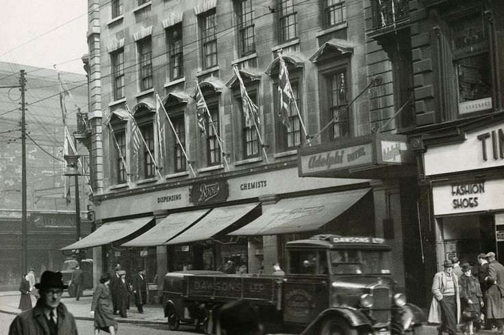 Boots the chemist in Argyle Street in 1948. The corner was a popular meeting place