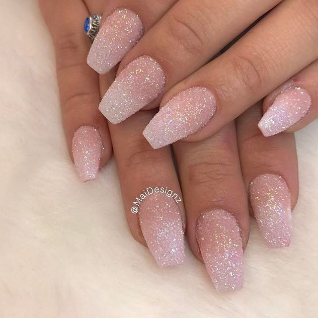 Lovely sugar effect nails by @maidesignz featuring our iridescent glitter dust  Shop for them at Dailycharme.com!